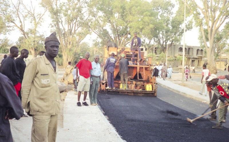 Construction de route CDE