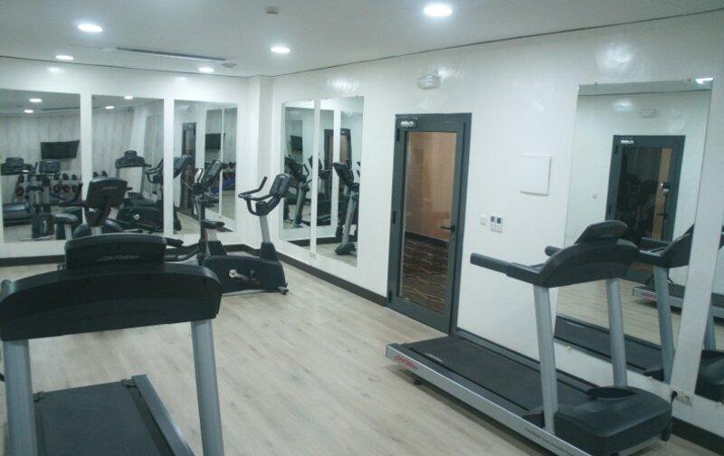 La salle de fitness de l'hôtel Al Khaima City Center